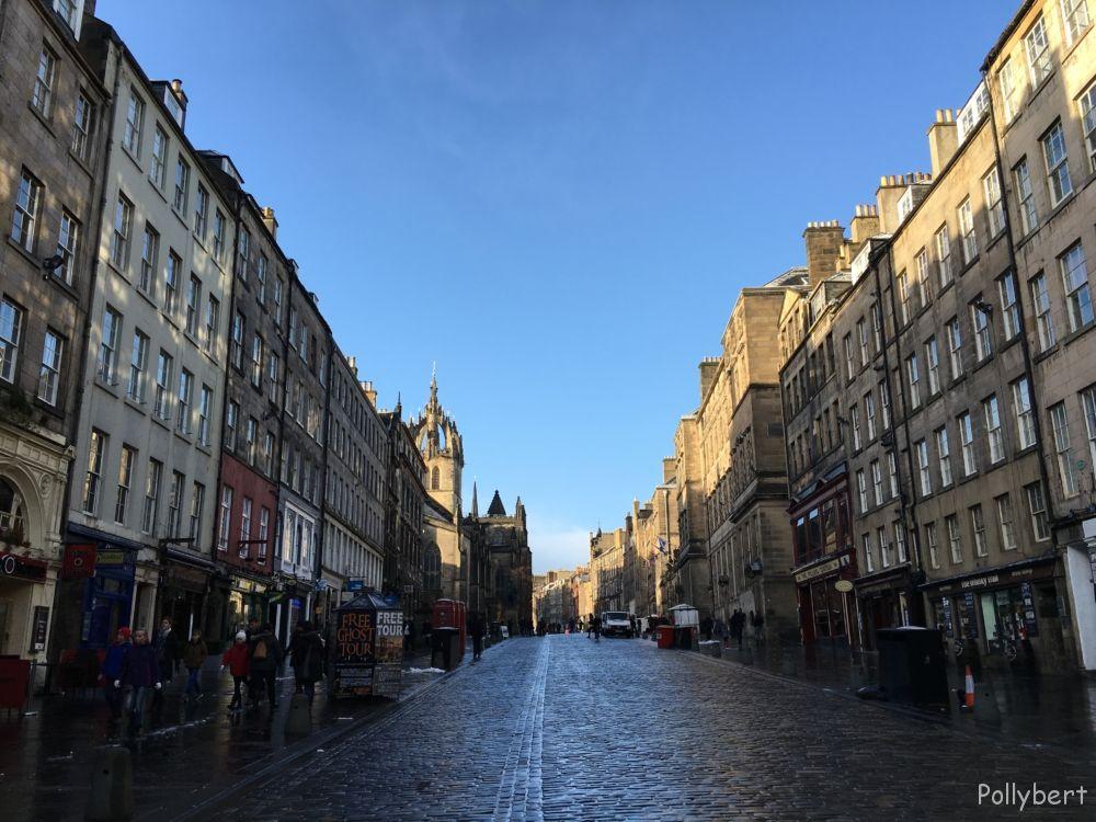 Royal Mile 10 minutes after snowfall @Edinburgh, Scotland