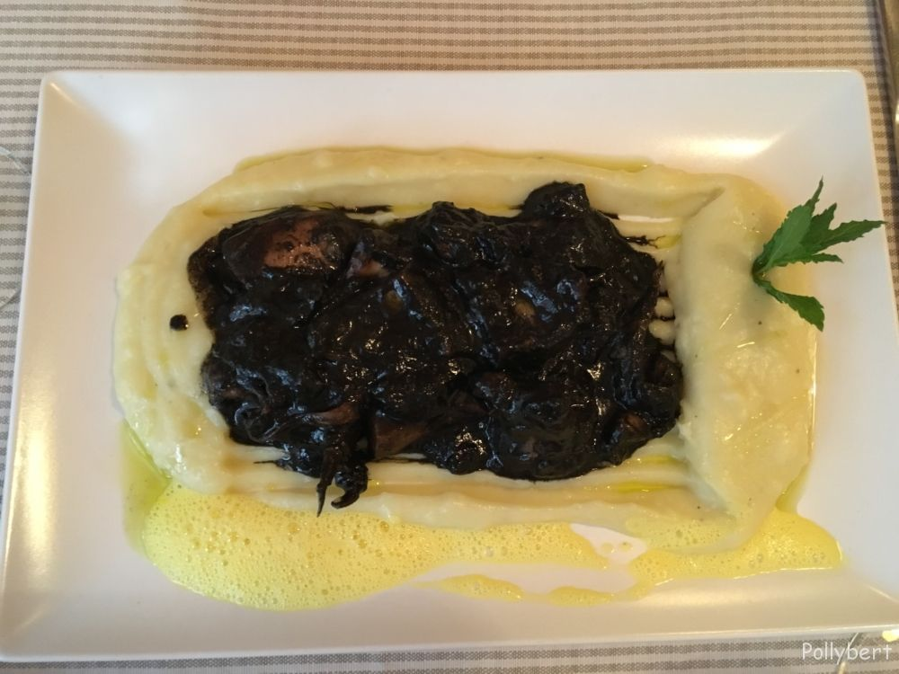 squid in ink with mashed potatoes @Corfu